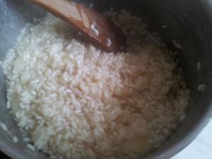 Reis unter Rühren kochen